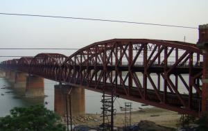 Malviya Bridge, inaugurated in 1887, over Ganga at Varanasi.